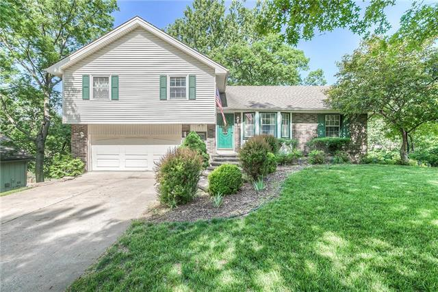 7304 N Granby Avenue, Kansas City, MO 64151 (#2108622) :: Team Real Estate