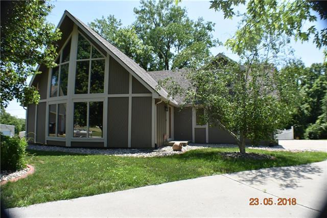 2776 S Coachman Drive, Independence, MO 64055 (#2108657) :: The Shannon Lyon Group - ReeceNichols