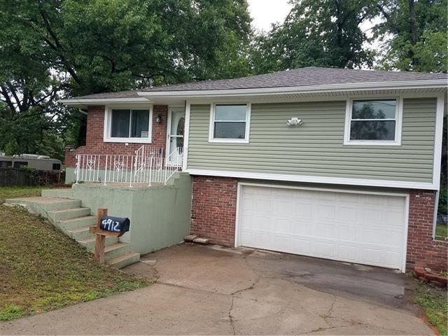4912 Welborn Lane, Kansas City, KS 66104 (#2108692) :: Edie Waters Network