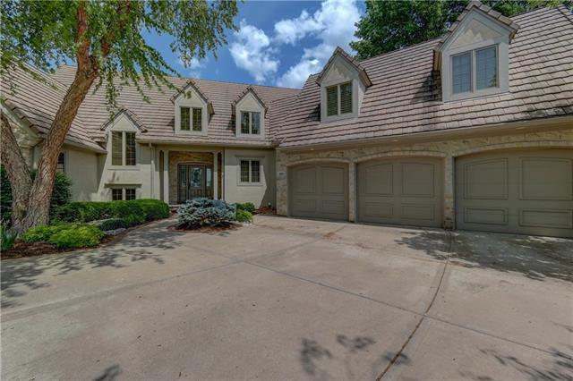 10671 S Cedar Niles Boulevard, Olathe, KS 66061 (#2108728) :: Char MacCallum Real Estate Group
