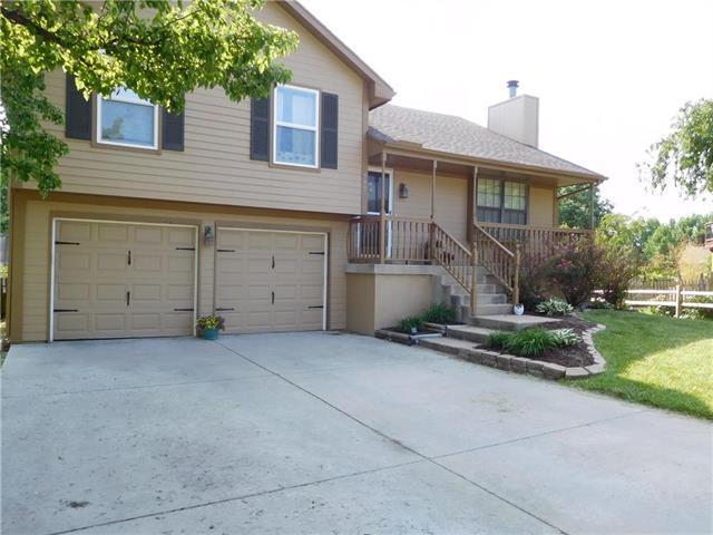 505 Huntington Court, Greenwood, MO 64034 (#2108884) :: No Borders Real Estate