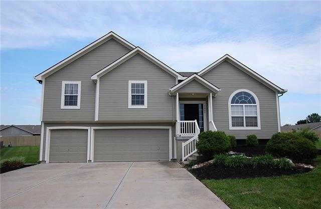 1900 Sequoia Drive, Raymore, MO 64083 (#2108925) :: The Shannon Lyon Group - ReeceNichols