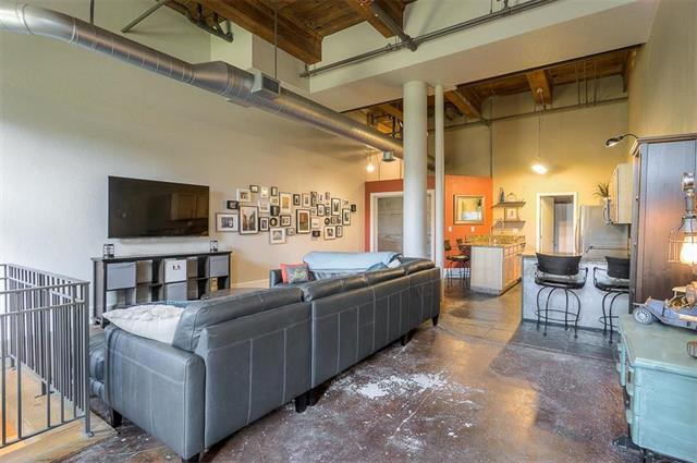 609 Central Street #1104, Kansas City, MO 64105 (#2108934) :: Char MacCallum Real Estate Group
