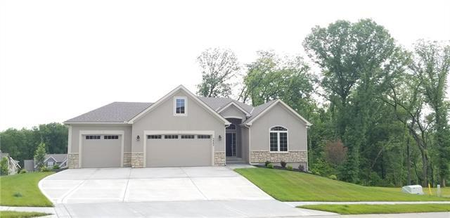 5865 Thousand Oaks Drive, Parkville, MO 64152 (#2109001) :: Kansas City Homes