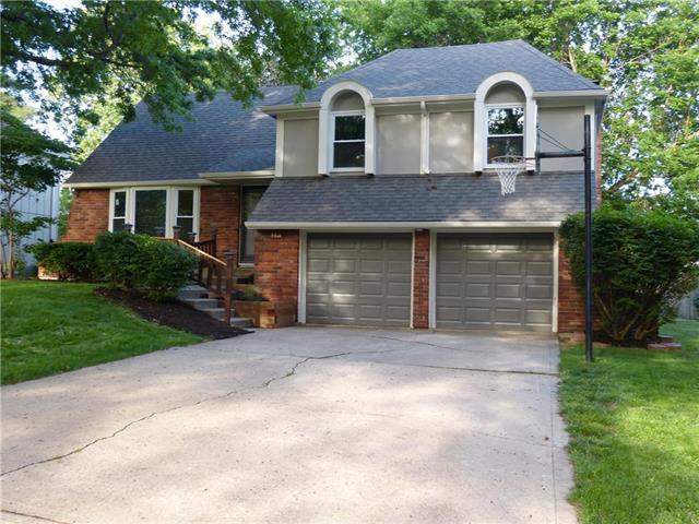 9811 Melrose Street, Overland Park, KS 66214 (#2109065) :: Kansas City Homes