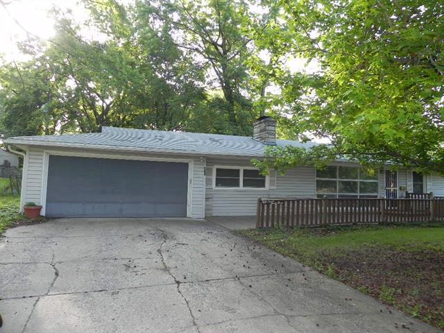 5733 Long Avenue, Shawnee, KS 66216 (#2109103) :: Edie Waters Network