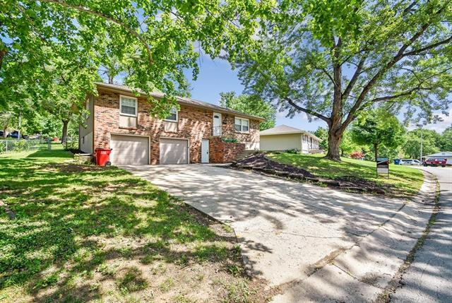 2912 S Linwood Avenue, Independence, MO 64055 (#2109109) :: The Shannon Lyon Group - ReeceNichols