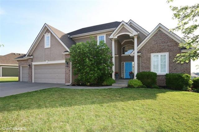 8921 N Donnelly Avenue, Kansas City, MO 64157 (#2109149) :: Edie Waters Network