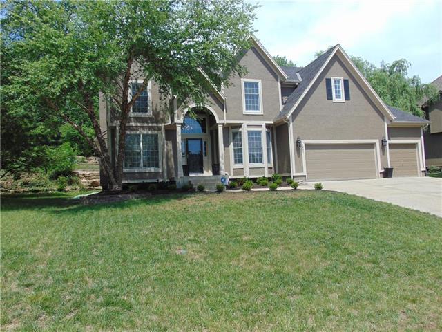 5641 Cottonwood Drive, Shawnee, KS 66216 (#2109162) :: Kansas City Homes