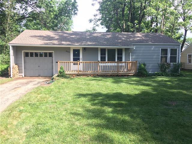 8233 Riley Street, Overland Park, KS 66204 (#2109202) :: Kansas City Homes