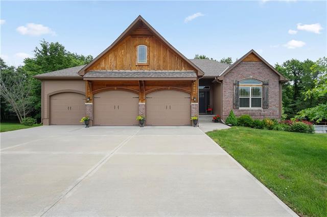 1500 Buckeye Lane, Pleasant Hill, MO 64080 (#2109217) :: Kansas City Homes