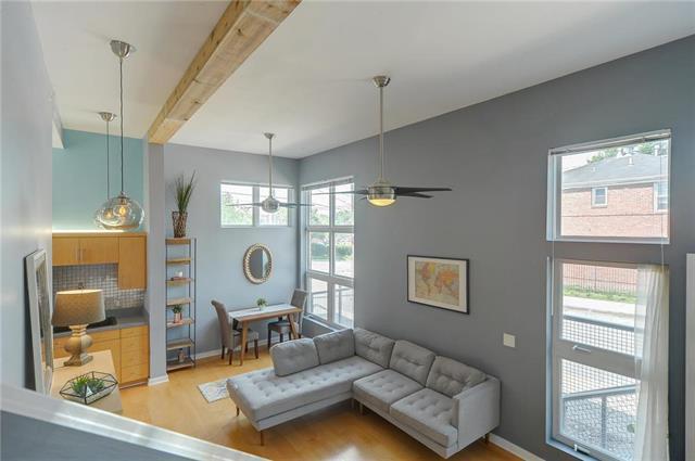 3991 Pennsylvania Avenue, Kansas City, MO 64111 (#2109223) :: Team Real Estate