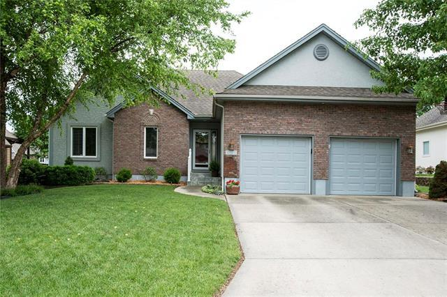 5113 SW Piping Plover Street, Lee's Summit, MO 64082 (#2109355) :: The Shannon Lyon Group - ReeceNichols