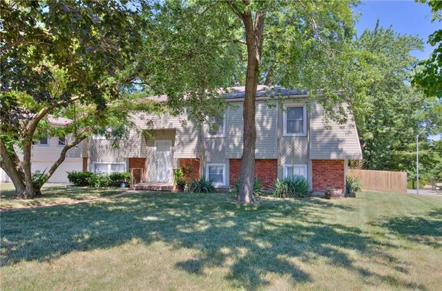1400 NW 65th Terrace, Kansas City, MO 64118 (#2109467) :: Edie Waters Network