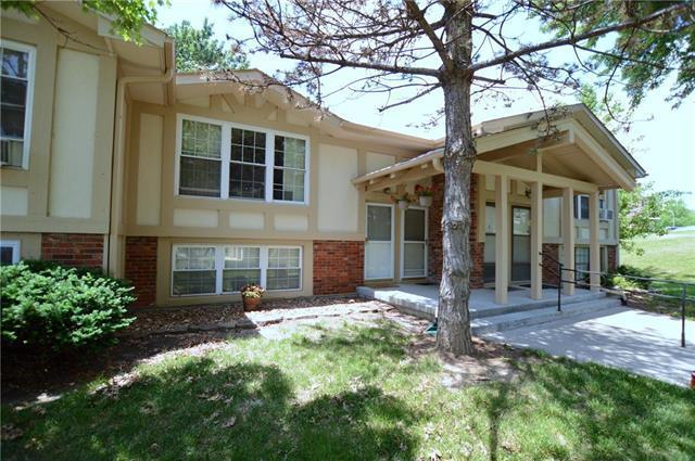 1470 NW 64th Terrace, Kansas City, MO 64118 (#2109544) :: The Shannon Lyon Group - ReeceNichols