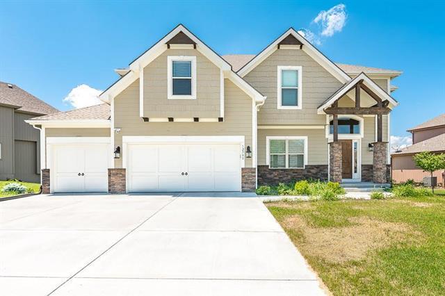 12790 N Apple Blossom Drive, Platte City, MO 64079 (#2110083) :: Edie Waters Network