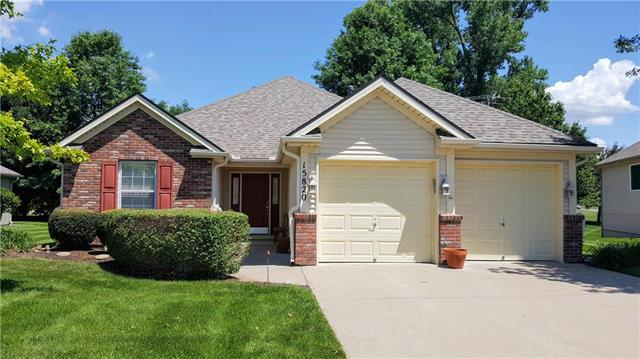 15820 E 27th Street, Independence, MO 64055 (#2110149) :: The Shannon Lyon Group - ReeceNichols