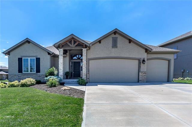 16515 W 165th Street, Olathe, KS 66062 (#2110708) :: Edie Waters Network
