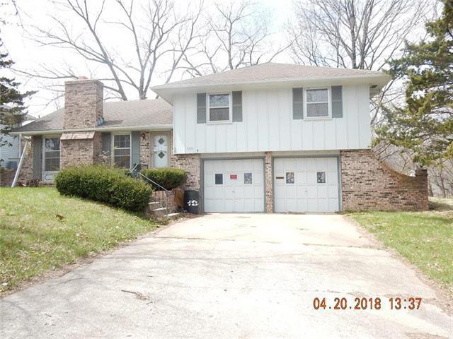 1105 Christopher Street, Warrensburg, MO 64093 (#2110819) :: The Shannon Lyon Group - ReeceNichols