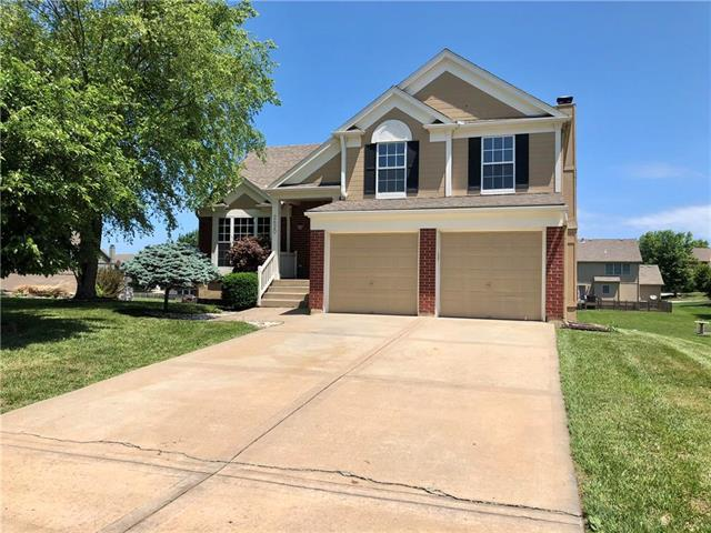2620 SE Kimbrough Lane, Lee's Summit, MO 64063 (#2110917) :: Edie Waters Network