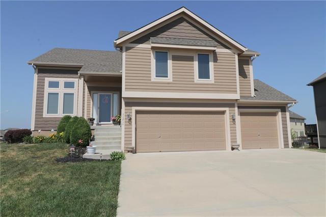 11218 N Madison Avenue, Kansas City, MO 64155 (#2110949) :: Dani Beyer Real Estate