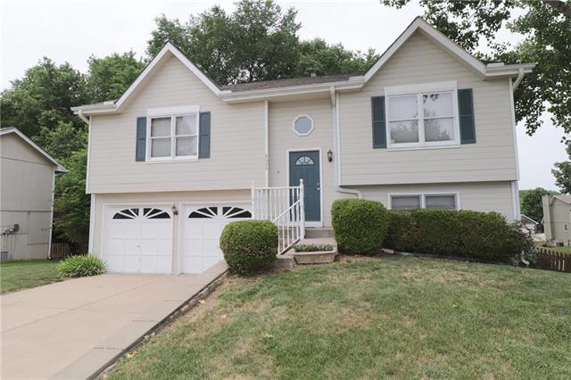 8620 N Crawford Avenue, Kansas City, MO 64153 (#2110981) :: Dani Beyer Real Estate
