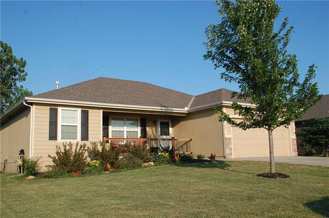 585 S Cedar Street, Gardner, KS 66030 (#2111022) :: Edie Waters Network