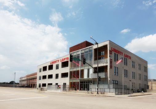 360 W Pershing Road #40, Kansas City, MO 64108 (#2111115) :: The Gunselman Team