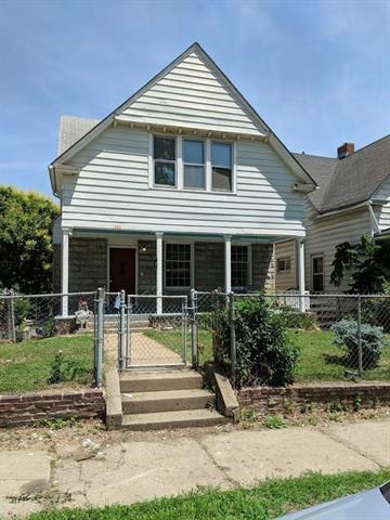 201 Askew Avenue, Kansas City, MO 64123 (#2111196) :: Char MacCallum Real Estate Group