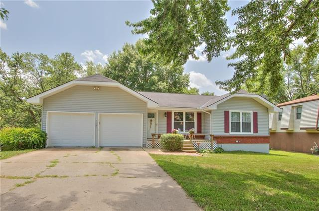 1307 NW 64th Terrace, Kansas City, MO 64118 (#2111365) :: Edie Waters Network