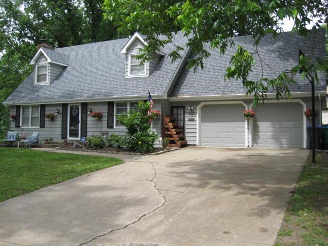 802 S Stella Street, Harrisonville, MO 64701 (#2111666) :: Edie Waters Network