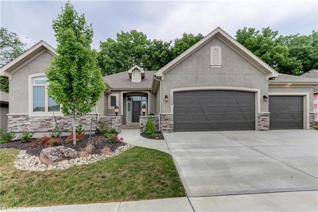 10608 W 132nd Place, Overland Park, KS 66213 (#2111680) :: The Shannon Lyon Group - ReeceNichols