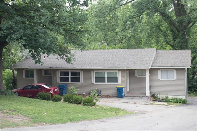 11425 E Lexington Avenue, Sugar Creek, MO 64054 (#2111691) :: The Gunselman Team