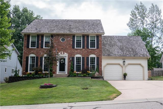 4003 NE Woodridge Drive, Lee's Summit, MO 64064 (#2112150) :: No Borders Real Estate