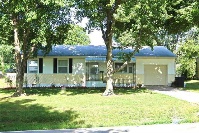 607 NW Olive Street, Lee's Summit, MO 64063 (#2112408) :: No Borders Real Estate