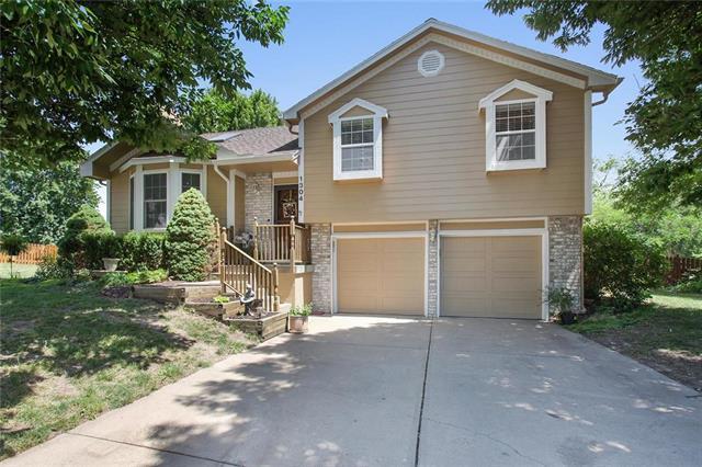 1304 Huntington Circle, Greenwood, MO 64034 (#2112434) :: No Borders Real Estate