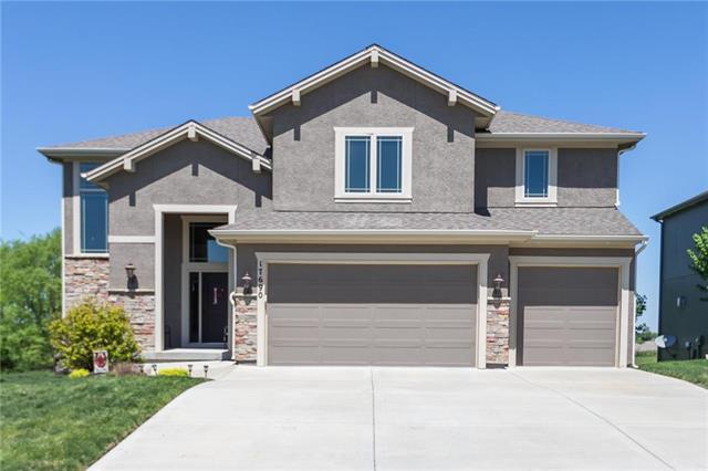 17690 NW 130th Terrace, Platte City, MO 64079 (#2112563) :: Edie Waters Network