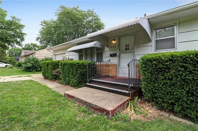 9109 Richards Drive, Raytown, MO 64133 (#2112617) :: No Borders Real Estate