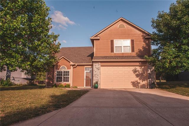 633 Lakeview Drive, Grain Valley, MO 64029 (#2112644) :: No Borders Real Estate