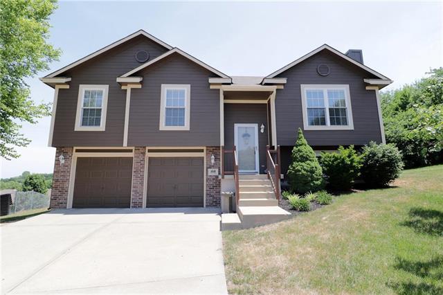 1018 SW Montana Ridge Drive, Grain Valley, MO 64029 (#2112738) :: No Borders Real Estate