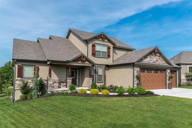 820 155th Circle, Basehor, KS 66007 (#2112753) :: Char MacCallum Real Estate Group