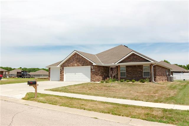1704 NW Creek Land Drive, Grain Valley, MO 64029 (#2112834) :: No Borders Real Estate