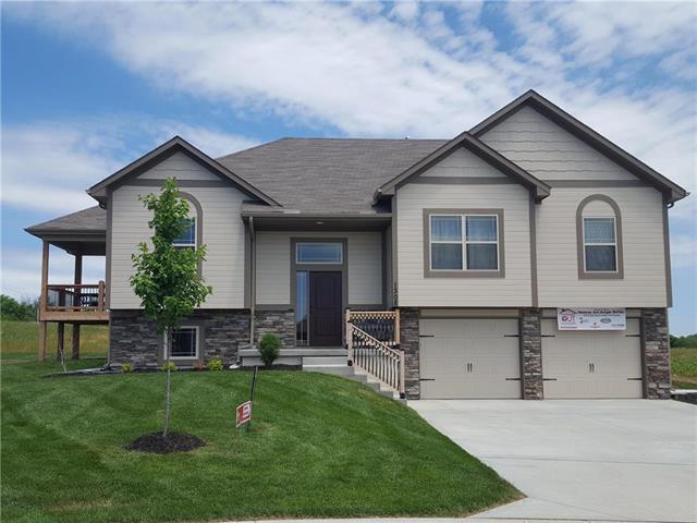 1004 SW Eagle Drive, Oak Grove, MO 64075 (#2112835) :: The Shannon Lyon Group - ReeceNichols