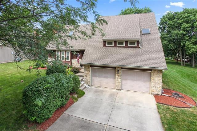 8209 NW Delta Drive, Kansas City, MO 64151 (#2112848) :: Edie Waters Network