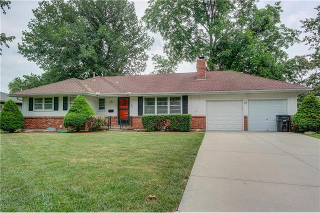15311 E 44TH Terrace, Independence, MO 64055 (#2112916) :: No Borders Real Estate