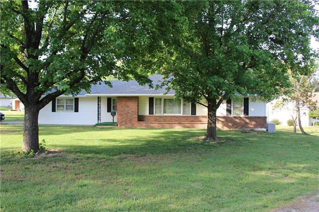 209 S Birch Street, Butler, MO 64730 (#2112921) :: The Shannon Lyon Group - ReeceNichols