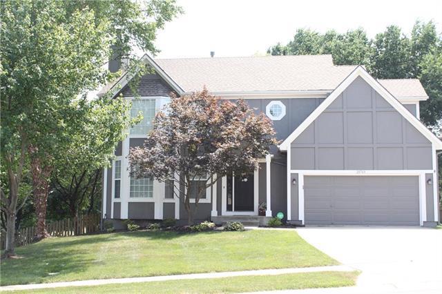 21713 W 49th Street, Shawnee, KS 66226 (#2112985) :: The Shannon Lyon Group - ReeceNichols
