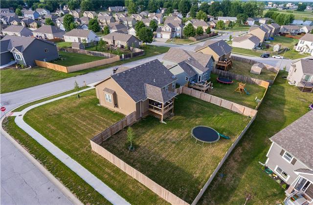 931 NW Long Drive, Grain Valley, MO 64029 (#2112991) :: No Borders Real Estate