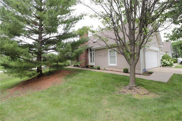 2437 W 137th Place, Leawood, KS 66224 (#2113013) :: No Borders Real Estate