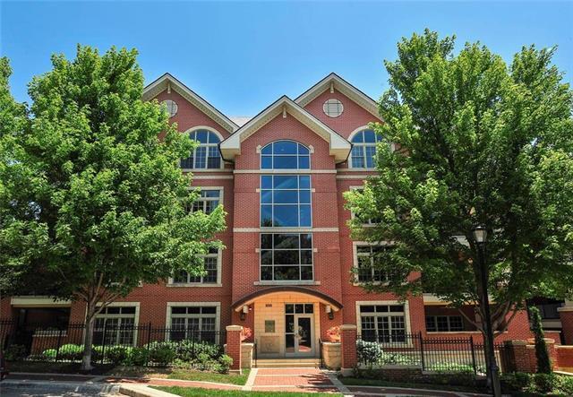 4921 Wyandotte Street #100, Kansas City, MO 64112 (#2113078) :: Team Real Estate